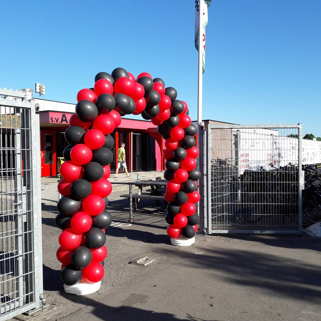 Ballonnenboog decoratie sportclub ARC