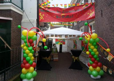Ballondecoratie straatfeest