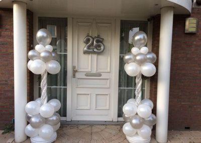 25 jarige trouwdag ballonpilaren
